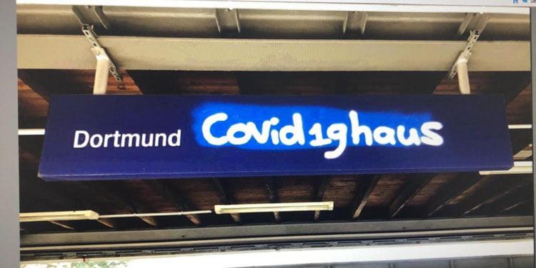 Tren istasyonlarında koronavirüs grafitisi