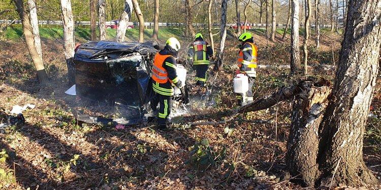 Takla atan aracın kadın şoförü öldü