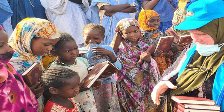 DİTİB gönüllüleri Afrika'da Kur'an-ı Kerim ve Ramazan yardım paketi dağıttı | Haberci Gazetesi